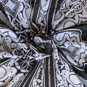 Gucci Black and White  Paisley Scarf